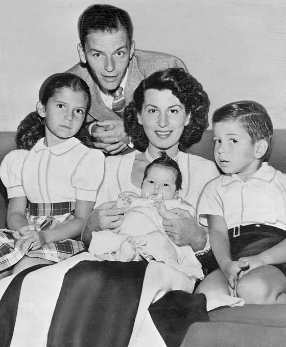 Frank s první ženou Nancy a dětmi