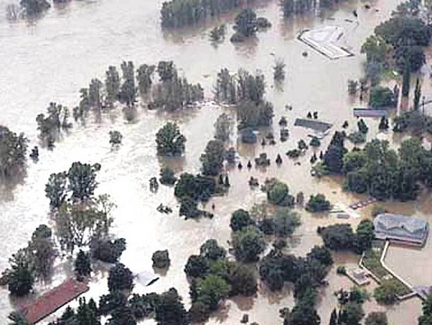 Zoo Praha při povodni 2002