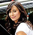 Mac hrála Catherine Bell, která kromě JAGa nikde jinde moc nezazářila. Ačkoli byla vybrána do dlouhotrvající série filmů Dobrá čarodějka, které se postupně natáčejí od roku 2008 až doteď.