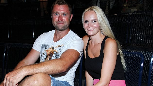 Hokejista Jaroslav Bednář s manželkou Lucií