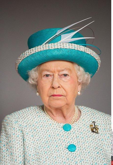 Královna je odhodlaná řešit všechny skutečnosti, o kterých se v rozhovoru Harry a Meghan zmínili.