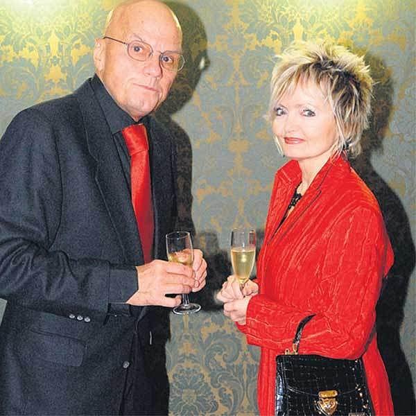 Pohádkově elegantně vypadali Jan Přeučil smanželkou Evou Hruškovou.