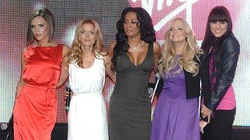 Slavná dívčí skupina Spice Girls pohromadě. Která s dam v mládí experimentovala?
