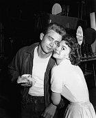Natalie aJames Dean. Dvě vycházející hvězdy se sešly vefilmu Rebel bez příčiny (1955).