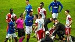 Odvetný zápas Evropské ligy Slavie a Rangers byl bez nadsázky brutálním bojem.