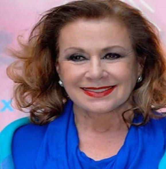 Laura Zaptta je stárnoucí mexická herečka, která se kromě Esmeraldy objevila také v další nekonečné telenovele Rosalindě. Její hvězda vystoupala nejvíce v průběhu osmdesátých let. Nyní už téměř nehraje.