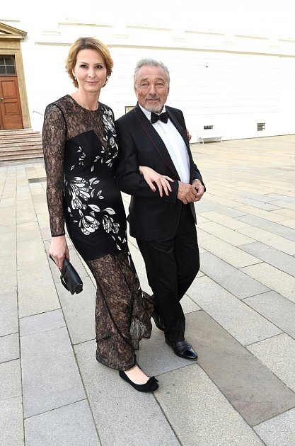 Ivana má prý držet manžela pěkně zkrátka.