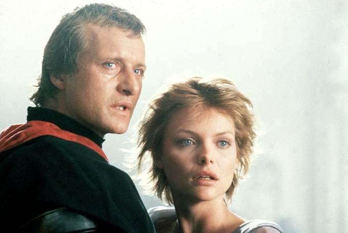 V pohádce Jestřábí žena ((1985)