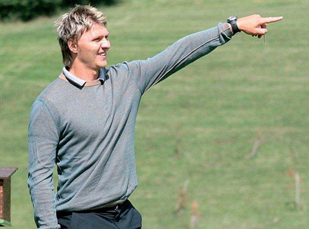 Erat si mimo sezonu užívá milovaný golf.