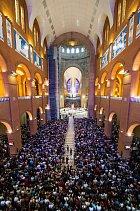 Nová bazilika pojme desítky tisíc věřících.