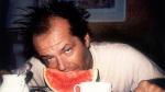 Jack Nicholson snídá.