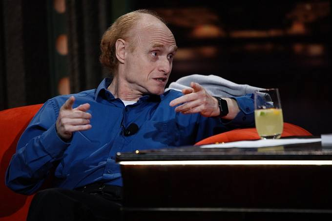 Jaroslav Flegr říká, že plošné CRP testy by vše vyřešily.