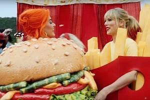 Katy Perry a taylor Swift v novém klipu