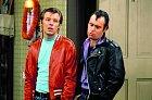 První příležitost před kamerou dostal Michael (vlevo) vkomediálním seriálu Laverne & Shirley (1976).