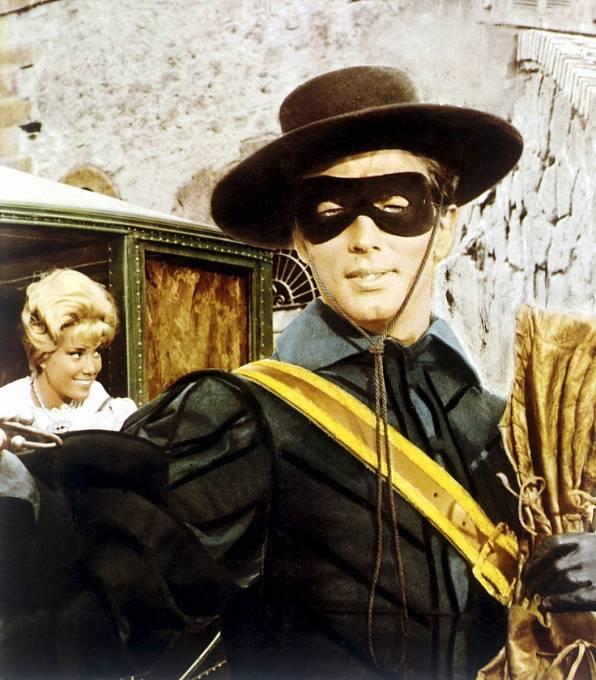 Akční film Zorro kontra hromotluk (1962). Líbil by se vám Pierre víc jako mstitel se škraboškou?