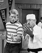 Vseriálu Happy Days si zahrál sRonem Howardem, pozdějším slavným režisérem.