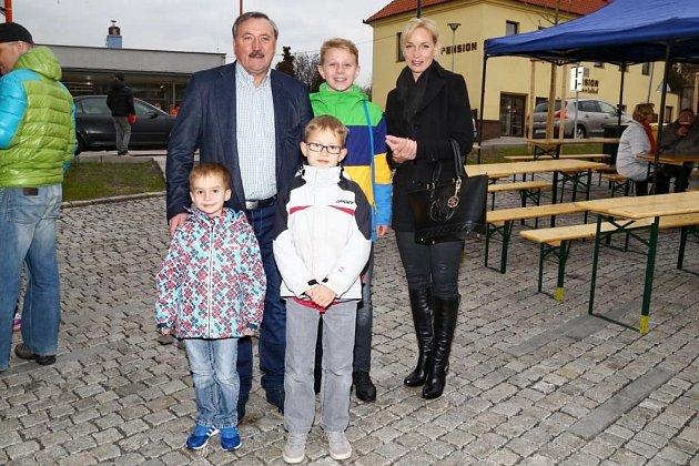 Antonín Panenka s dcerou a vnoučaty
