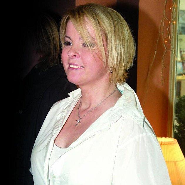 Iveta Bartošová se po rozchodu s Pomejem viditelně zakulacuje.