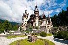 Zámků a hradů včetně toho Drákulova je v Rumunsku mnoho.