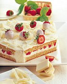 Jahodový dort v bílém
