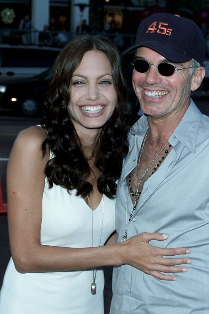 Angelina Jolie a Billy Bob se vzali po 2měsících vztahu.