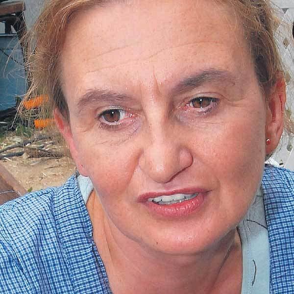 Eva Holubová měla na sobě jupinku, kterou si dovezla zPeru.