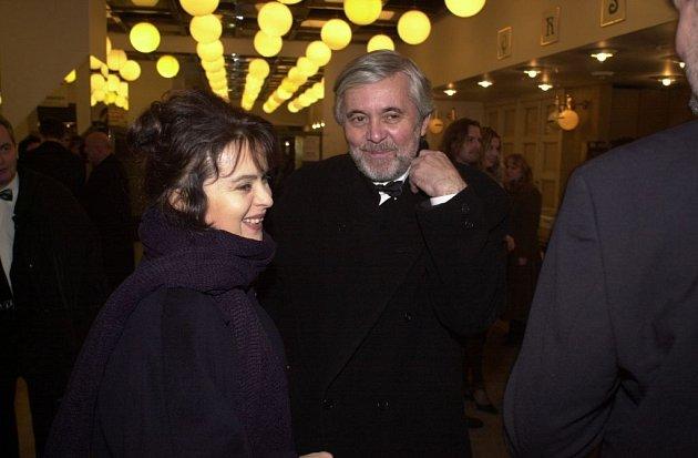Manželský pár Libuše Šafránková a Josef  Abrhám patří ke šťastným hereckým manželstvím.