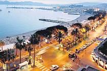 Pohled na třídu Croisette v Cannes, kde se ve dnech 16. až 27. května uskuteční šedesátý ročník mezinárodního filmového festivalu.