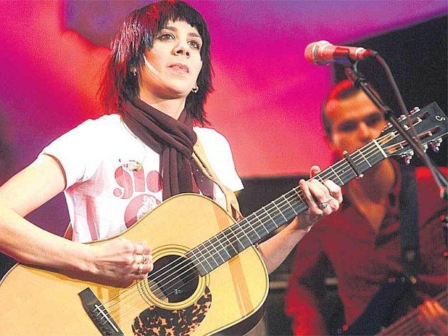 Aneta Langerová svým novým albem fanoušky dozajista potěší.