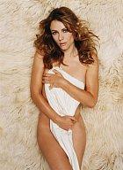Sexy Elizabeth Hurley je úspěšná herečka, modelka a módní návrhářka.
