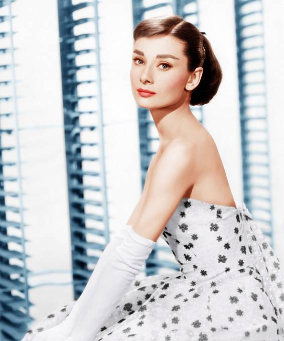 Audrey v modelu od Givenchy
