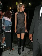 Stella Maxwell na večírku u Rihanny