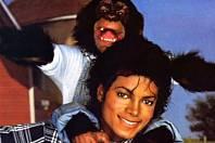 Michael Jackson měl doma šimpanze.