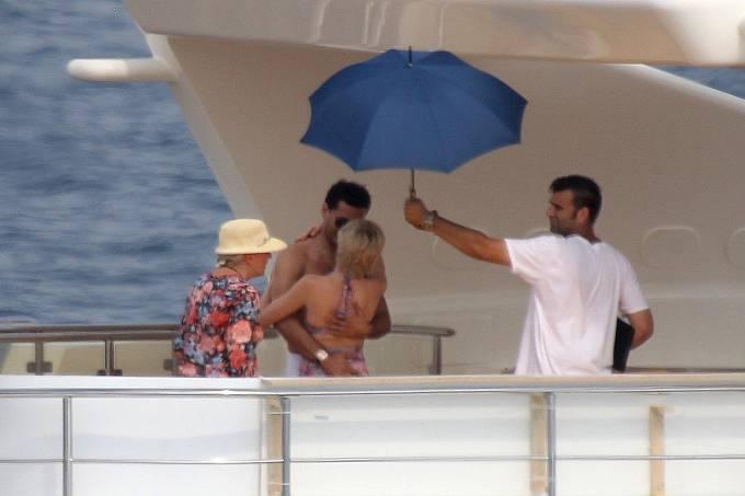 Na jachtě si Diana užívala luxusu.