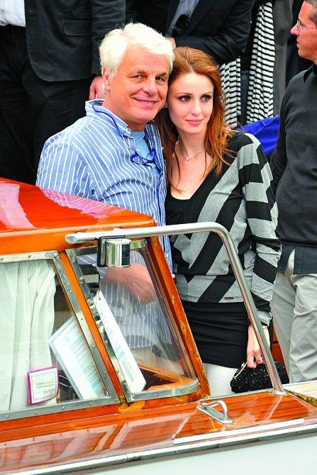 Vroce 2010 sFederikou Vincentiovou, sníž má malou dceru.