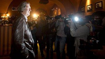 Bolkovi viseli novináři na rtech. Není divu, je s ním prostě sranda...
