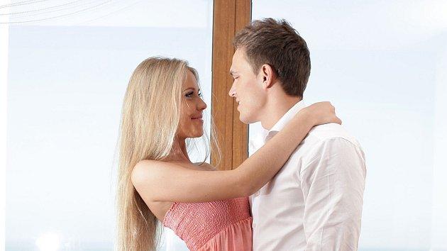 Flirt lze pojmout na škále od pračlověka po Oldřicha Nového.