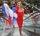 Česká Miss 2007 Lucie Hadašová v róbě módní návrhářky Camilly Solomon určené pro finále Miss Universe.