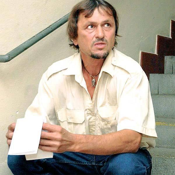 Ladislava Kupčíka ohodnotili soudní znalci jako sexuálně nezdrženlivého jedince. Pedofil to však není. Do Nikoly se skutečně zamiloval, ale nyní se nechce znát k ní ani k jejich synovi.