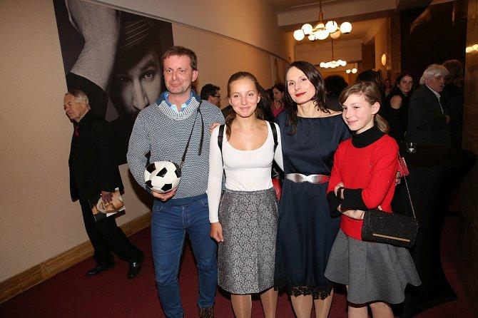Zdeňka Žádníková Volencová s rodinou.