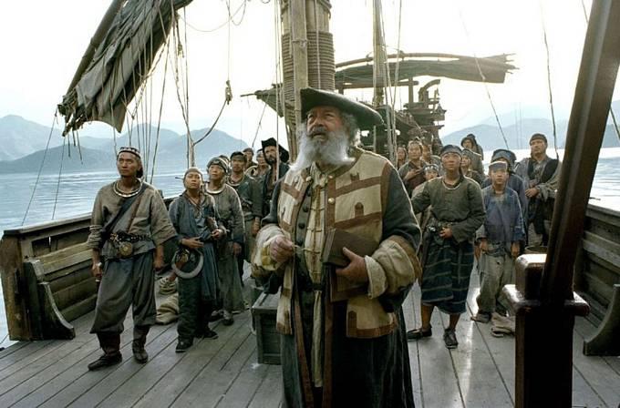 Malou roli dostal vefilmu Vánoce naruby (2003), kde hrál iTim Allen aJamie Lee Curtis.