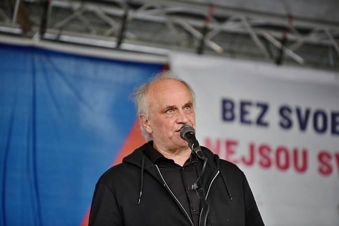 Michael Kocáb také uvažuje o vstupu do politiky.