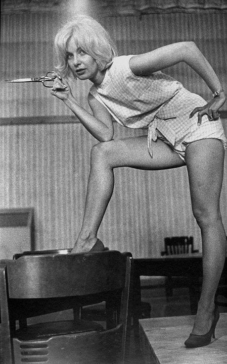 Filmem The Stripper (1963) slechtivým nádechem všechny překvapila.