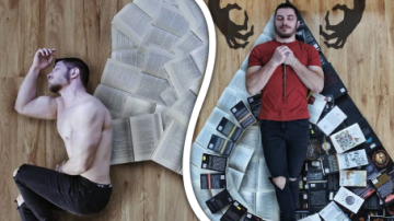 Sexy milovník knih vytváří ze své rozsáhlé knihovny umění!