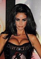 Takhle se prezentovala v době, kdy si říkala Jordan a byla za světovou sexbombu...