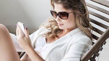 Ženy a psaní sms. Je to jiné, než si chlapi představují.