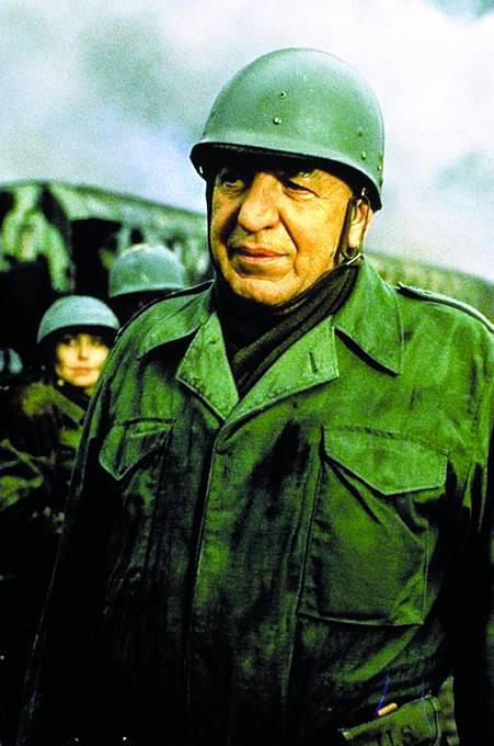 Návrat doslavné série. Vroce 1988 si zahrál vefilmu Tucet špinavců IV: Osudná mise.