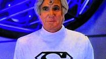 Vseriálu Superboy (1988) si zahrál Jor-Ela, Supermanova otce.