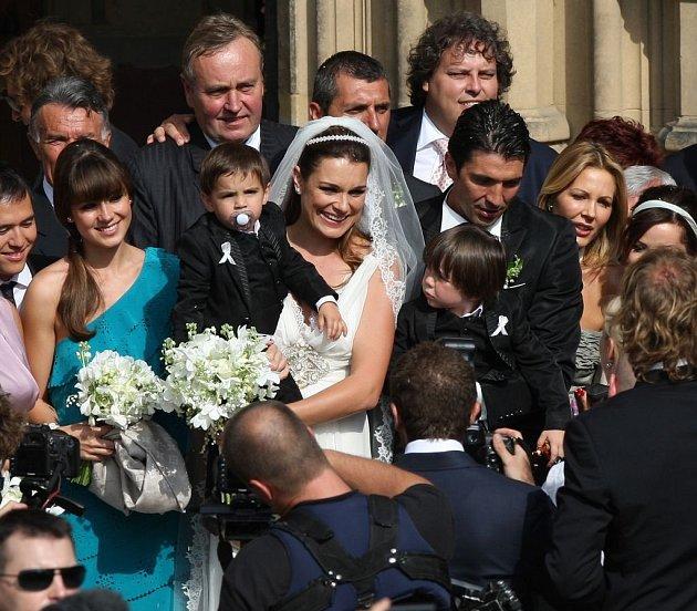 Svatbu sGigi Buffonem uspořádala Alena vPraze, nechyběla ani její sestra Eliška.