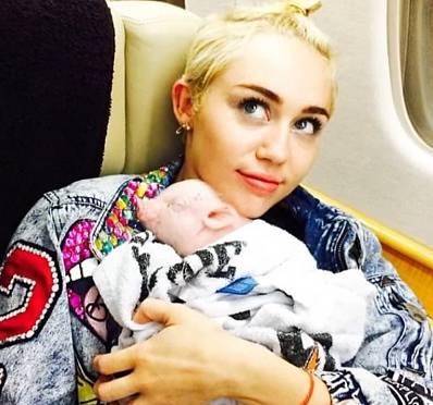 Miley Cyrus zrovna tak